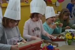 Dziewczynki - kuchareczki.