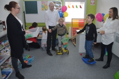 Ćwiczenia sensoryczne na koordynację.