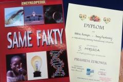 Nagroda i dyplom dla szkoły.