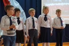 Klasa 3a przygotowała wiersz oraz Quiz.