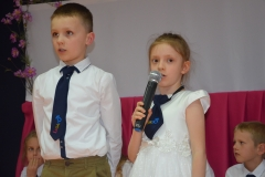 Oskar i Zuzia uczniowie kl 1a.