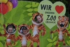 Wir lieben ZOO. Kochamy ZOO. Hania, Zuzia i Wika.