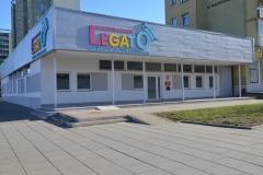 Budynek szkolny -wejście.