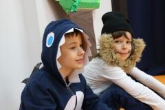Rekin Tomasz i lew Wiktor super się dogadują - uczniowie kl. 2a.