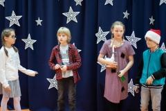 Sierotka Marysia odwiedza dzieci - Miłosza M., Zuzię i Milosza G.